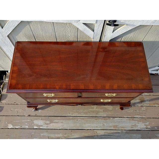 1970s 1970s Vintage Lane Mahogany Cedar Blanket Chest For Sale - Image 5 of 13