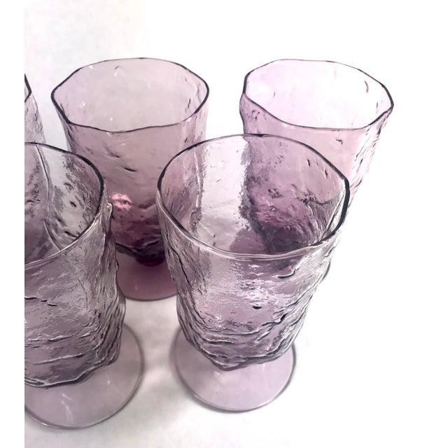 Mid-Century Modern Vintage Mid-Century Seneca Driftwood Amethyst Crinkle Footed Glasses - Set of 7 For Sale - Image 3 of 5