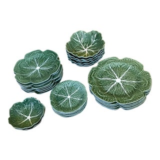 Bordello Pinheiro Cabbage Ware Plates and Bowls Dinner Service for 6 - Set of 26 Pieces For Sale