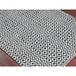 Bella Modern Charcoal Hand-Woven Rug 4'x6' Preview