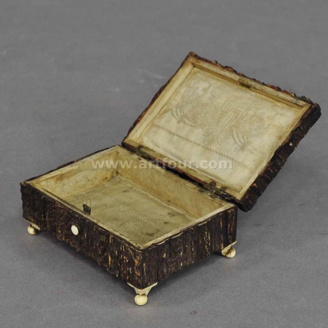 Great Miniature Antler Casket 1860 For Sale - Image 4 of 7