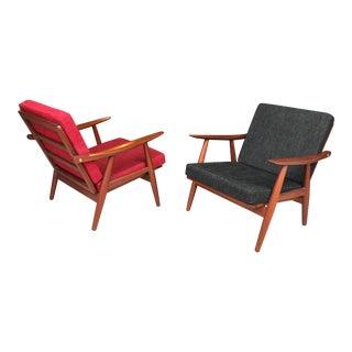Pristine Pair Hans Wegner Getama Ge-270 Teak Lounge Chairs For Sale