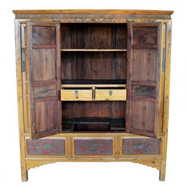 Asian 19th Century Antique Chinese Wide and Large Hand-Carved Gilt Wooden Cabinet For Sale - Image 3 of 11