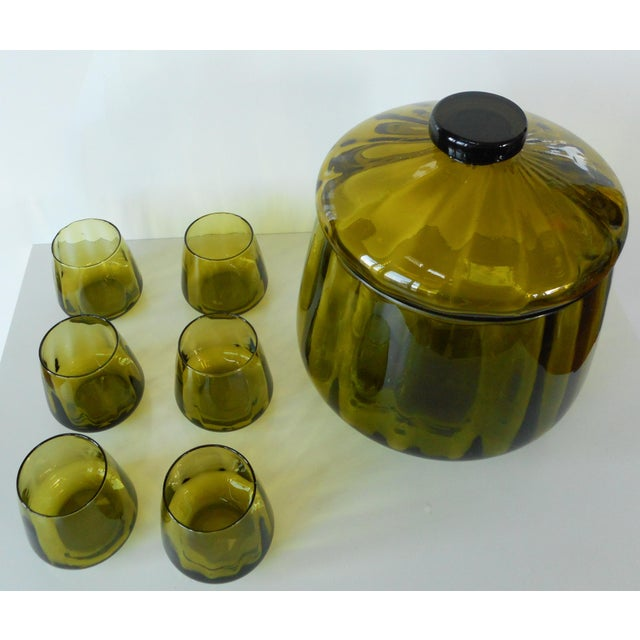 Vintage Mid-Century Avocado Green Art Glass Punch Bowl & Cups - Set of 7 For Sale - Image 6 of 9