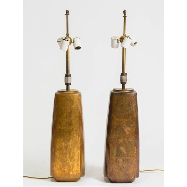 Mid-Century Modern Pair of Bronze Tapered Column Table Lamps by Hansen For Sale - Image 3 of 9