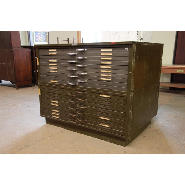 Industrial Vintage Industrial Metal 20-Drawer Blueprint Flat File by Hamilton Manufacturing Co. For Sale - Image 3 of 10