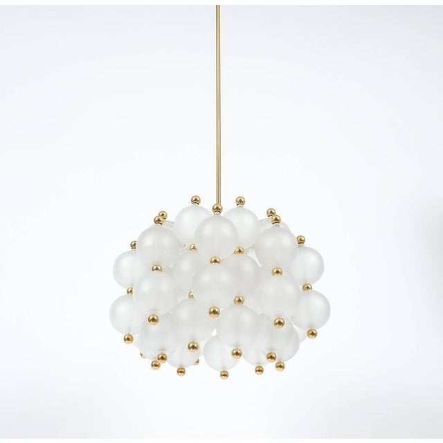 Seguso Satin Glass Chandelier Lamp in the Style of Seguso With Gold Knobs, circa 1980 For Sale - Image 4 of 10