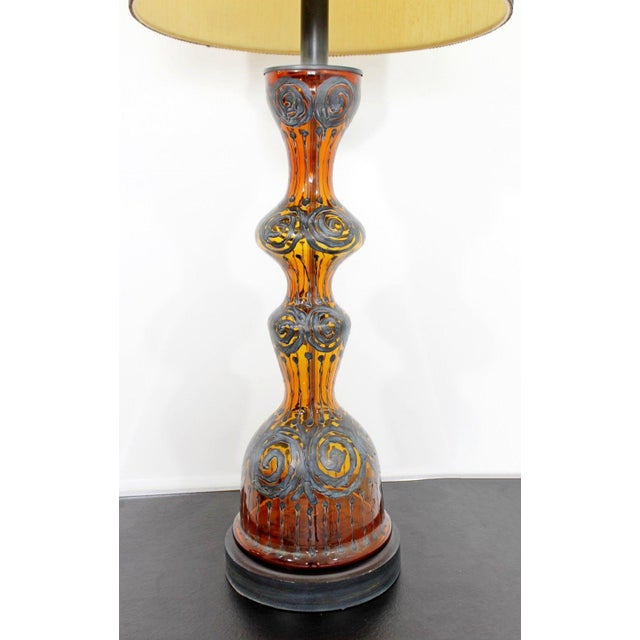 Metal Mid Century Modern Amber Painted Sterling Silver Glass Table Lamp With Shade For Sale - Image 7 of 12