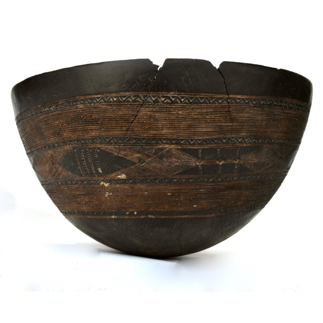 Antique Large Tuareg Tribal Wood Bowl For Sale - Image 4 of 8