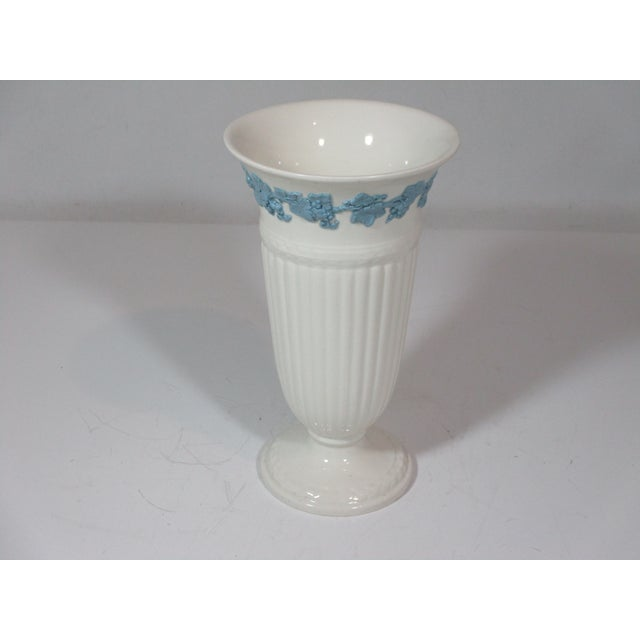 English Vintage Wedgwood Queens Ware Vase For Sale - Image 3 of 7