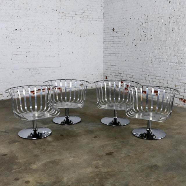 Mid-Century Modern Polished Aluminum Tulip Shaped Swivel Lounge Chairs by Russell Woodard - Set of 4 For Sale - Image 3 of 11