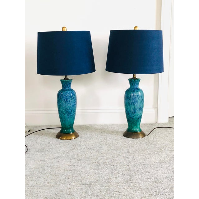 Ceramic Mid-Century Modern Blue Splatter Glaze Ceramic Lamps With Shades - a Pair For Sale - Image 7 of 7