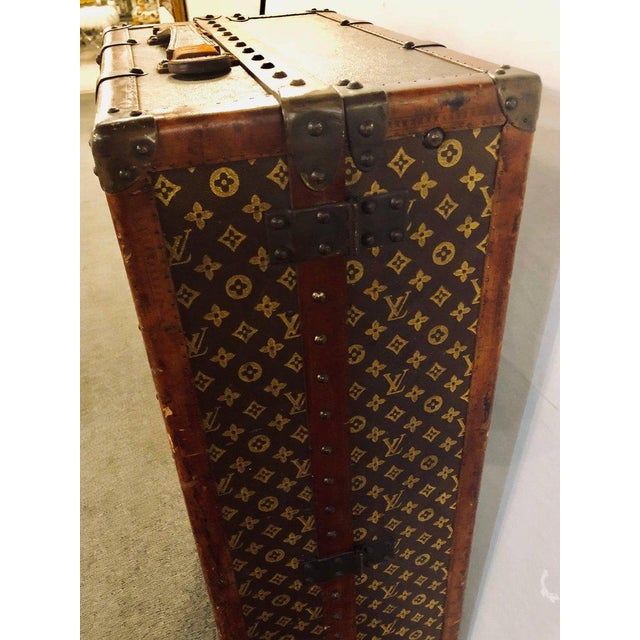 Louis Vuitton Trunk Steamer Wardrobe Trunk Interior Fitted John Wanamaker Label For Sale In New York - Image 6 of 13