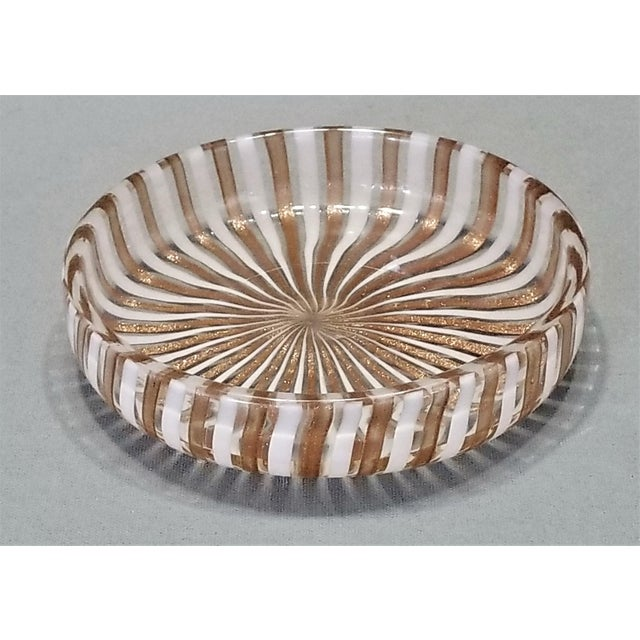 1950s Vintage Murano Copper and White Glass Bowl by Fratelli Toso For Sale In Miami - Image 6 of 8