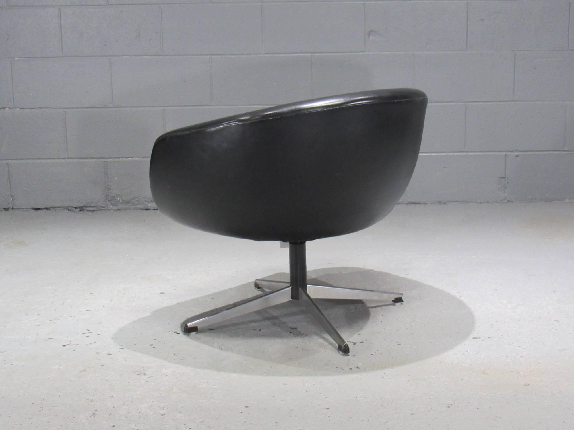 Overman Sweden Black Swivel Pod Chair By Overman For Sale   Image 4 Of 6