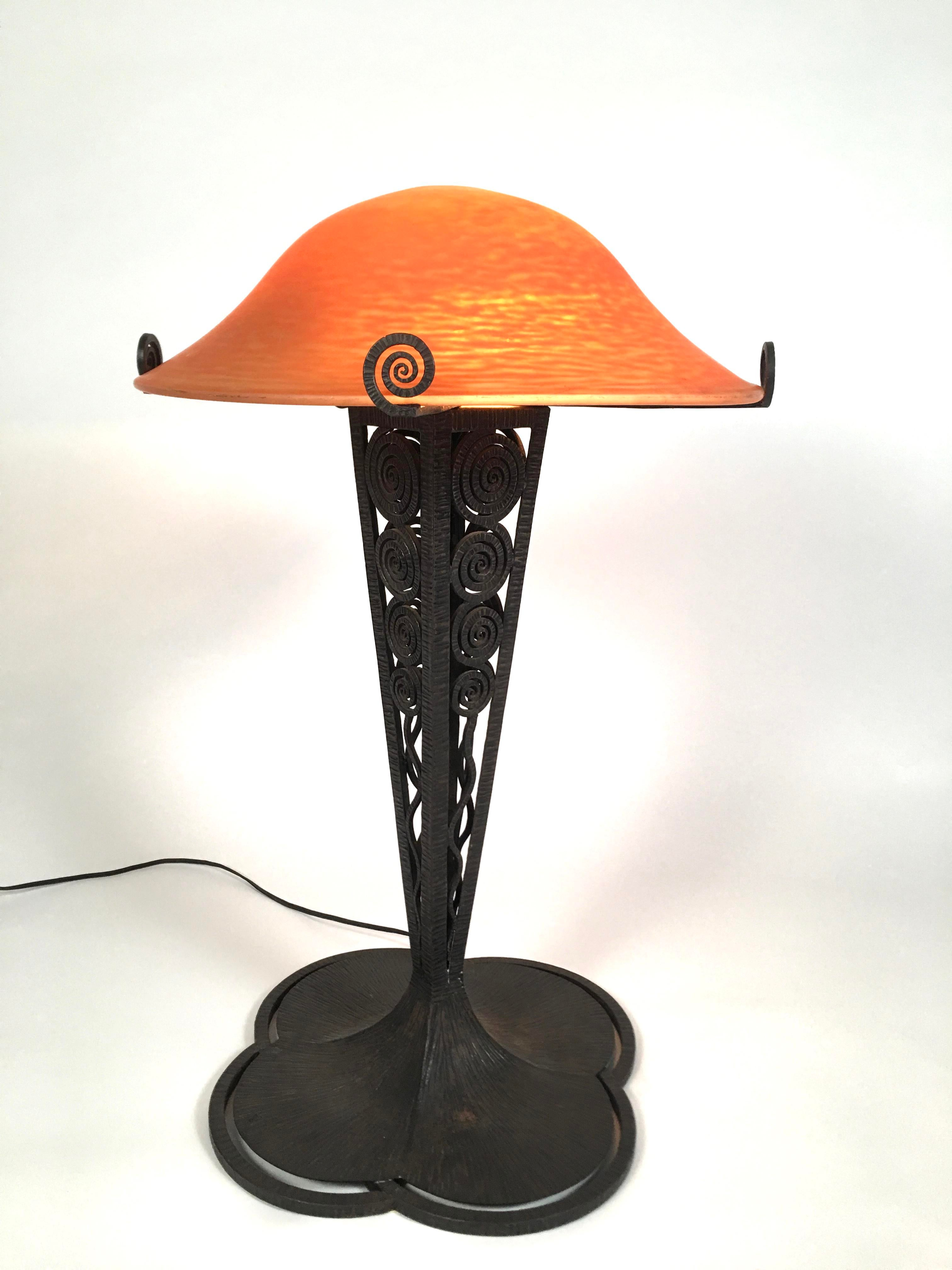 art deco lamp. French Art Deco Lamp With Daum Glass Shade And Wrought Iron Base - Image 3