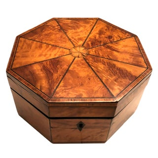 Early 19th Century Vintage English Satinwood Octagonal Box For Sale