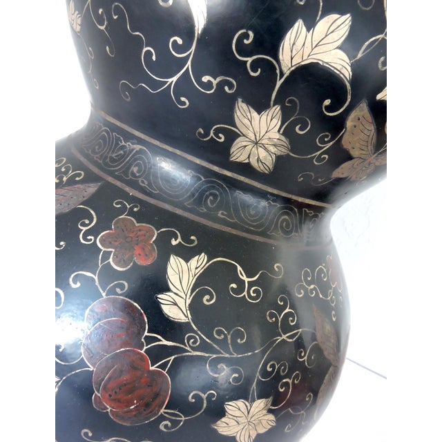 """Early 20th Century Large Antique Black Lacquer Double Gourd Hand Decorated Chinese Vase 24"""" For Sale - Image 5 of 8"""