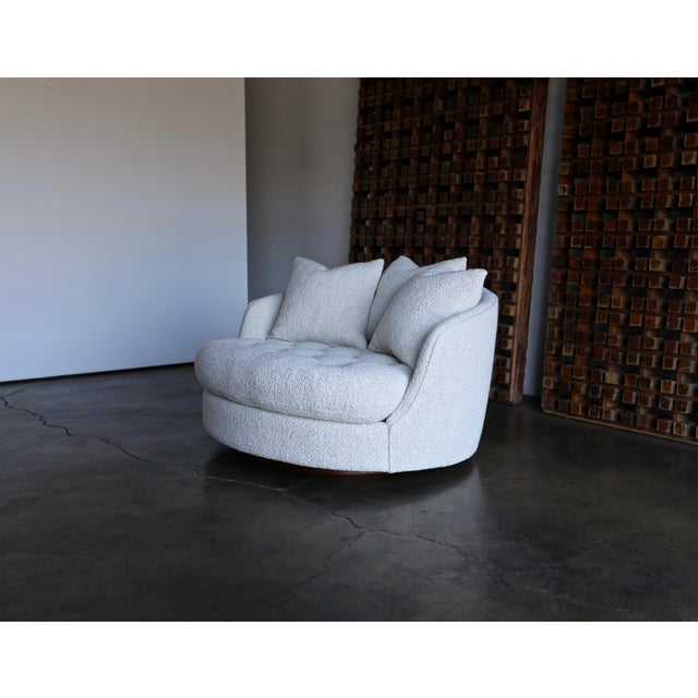 Milo Baughman Large Swivel Lounge Chair for Thayer Coggin, Circa 1970 For Sale - Image 9 of 13