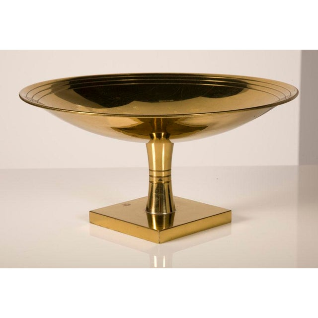 Dorlyn Silversmiths Tommi Parzinger for Dorlyn Brass Footed Compote For Sale - Image 4 of 4