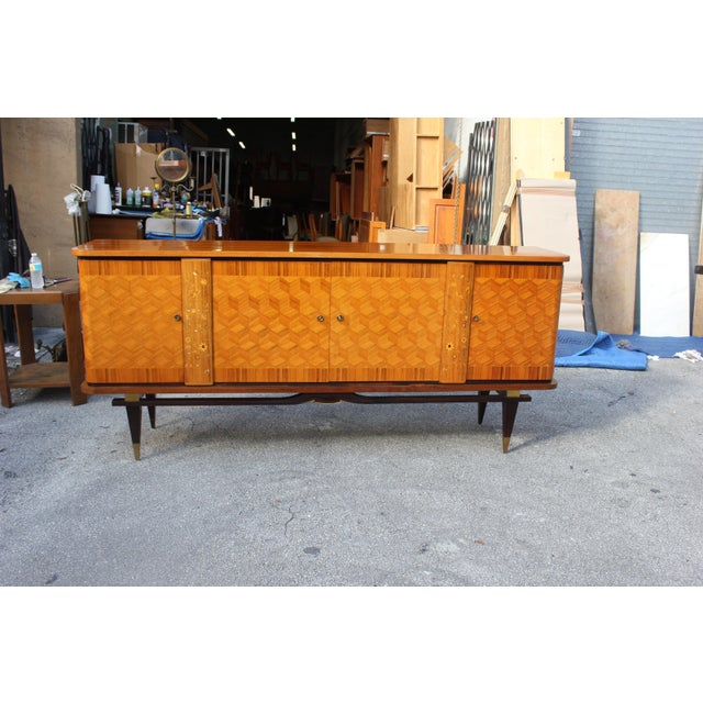 French Art Deco Light Exotic Macassar Ebony Sideboard / Buffet By Jules Leleu Style, with mother-of-pearl Circa 1940s - Image 6 of 11