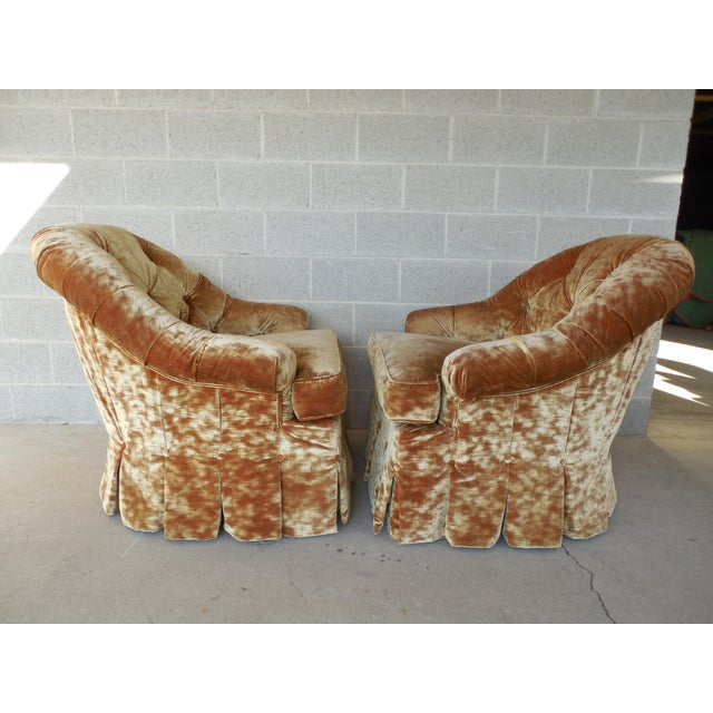 Lee Jofa Hollywood Regency Tufted Back Plush Velvet Velour Swivel Club Chairs - A Pair - Image 4 of 11