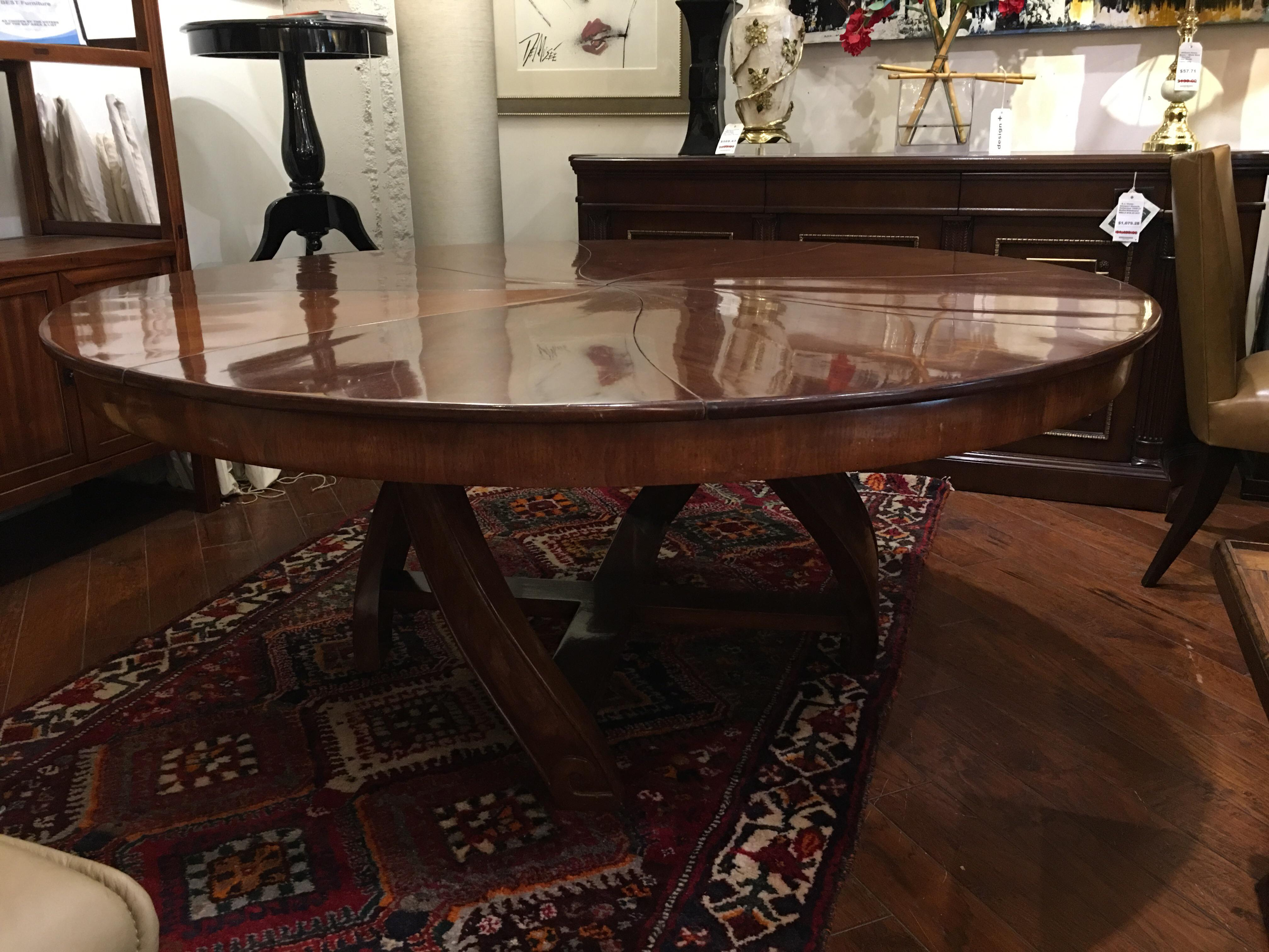 Design Plus Consignment Gallery Presents A Uniquely Expanding Dining Table  From Lu0027Rossi. This