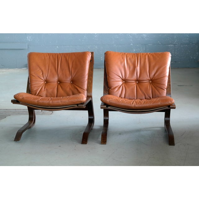 Ingmar Relling Pair of Mid-Century Norwegian Easy Chairs in Cognac Leather by Oddvin Rykken For Sale - Image 4 of 10
