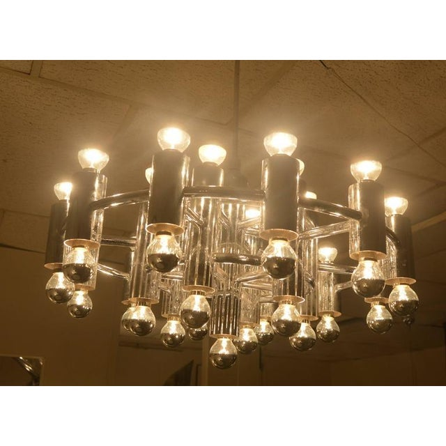 1970s Extra Large Chrome-Plated Chandelier with 37-Light Fixtures For Sale - Image 5 of 9