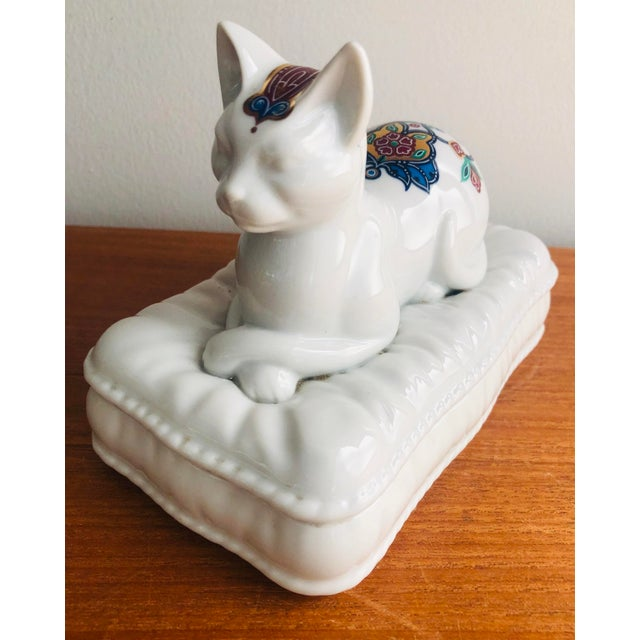 Vintage Porcelain Cat Jewelry Box Trinket Catch All For Sale - Image 10 of 10