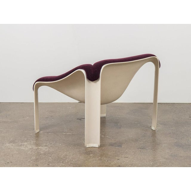 Pierre Paulin F300 Lounge Chair For Sale In New York - Image 6 of 11