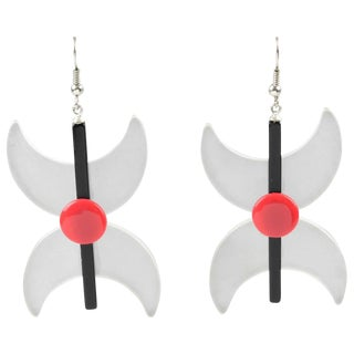 Italian Memphis Studio Style Oversized Frosted Red Black Lucite Pierced Earrings For Sale