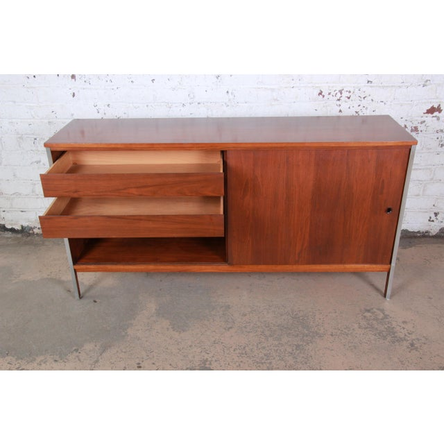 1950s Paul McCobb for Calvin Linear Group Walnut Sideboard Credenza For Sale - Image 5 of 12