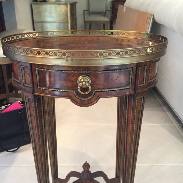 Louis XVI Theodore Alexander Mahogany & Brass Cerejeira Louis XVI Accent Lamp Table For Sale - Image 3 of 10