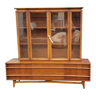 Mid Century Modern Walnut China Cabinet by Young Manufacturing Co. For Sale