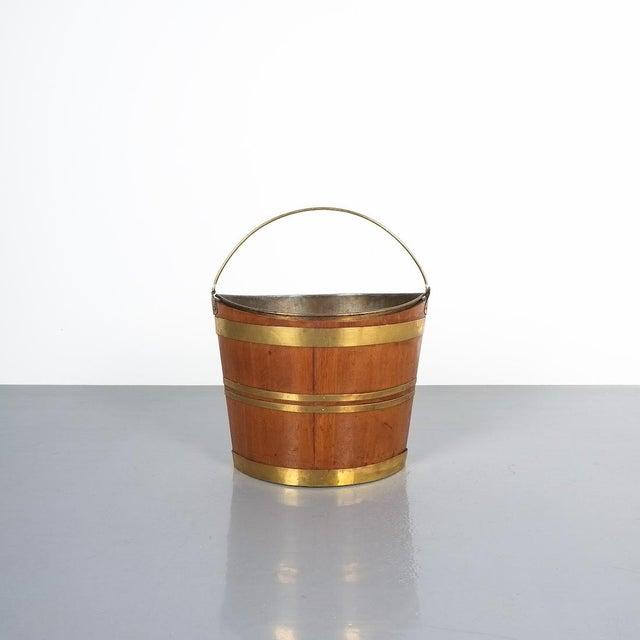 Gold Irish 19th Century Oval Oak Brass Peat Bucket For Sale - Image 8 of 8