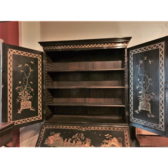 Wood English Secretary Chinoiserie Bookcase, 1770 For Sale - Image 7 of 10