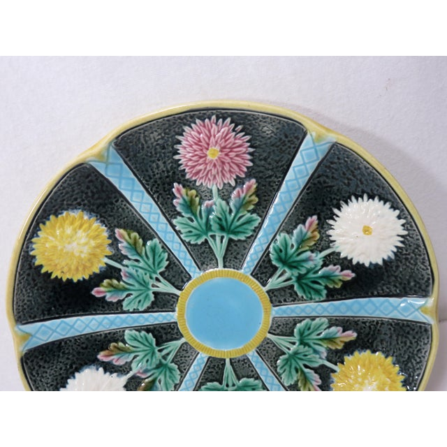 Antique Wedgwood Majolica Serving Dish Circa 1870s For Sale In Boston - Image 6 of 13