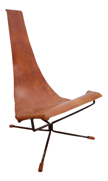 Early Dan Wenger Lotus Lounge Chair In Original Leather For Sale