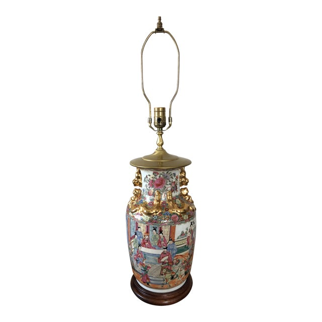 Antique Chinese Rose Medallion Table Lamp For Sale