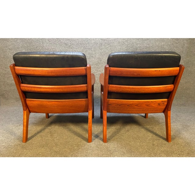 """Pair of Vintage Danish Mid Century Modern Teak and Leather """"Senator"""" Lounge Chairs by Ole Wanscher For Sale In San Diego - Image 6 of 12"""