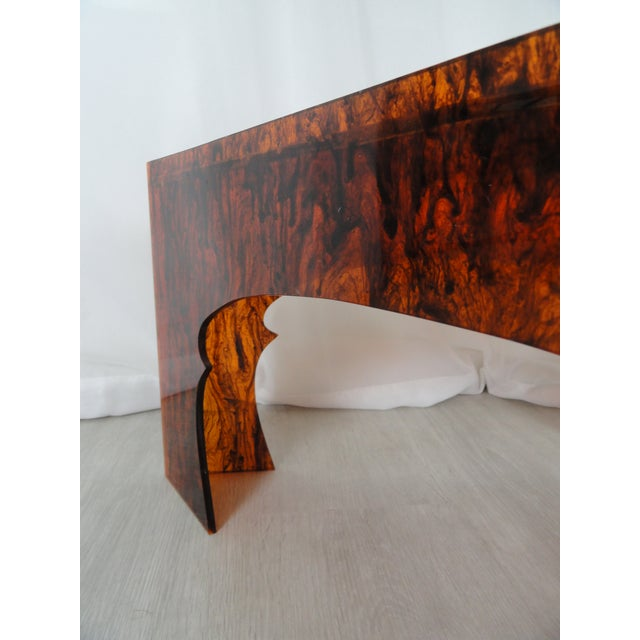 1970s Hollywood Regency Faux Tortoiseshell Acrylic Triangle Table - Short For Sale In Miami - Image 6 of 8
