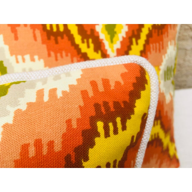 Feather Mid Century Brunschwig and Fils Cotton Print Pillows - a Pair For Sale - Image 7 of 10
