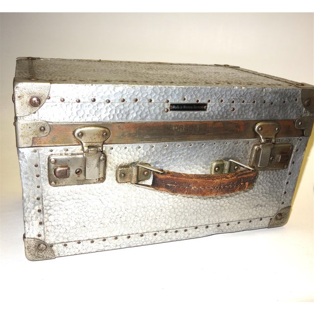Art Deco German Metal Cinematographers Camera Case circa Mid-20th Century. Gorgeous Patina, Hammered Metal Finish. For Sale - Image 3 of 5