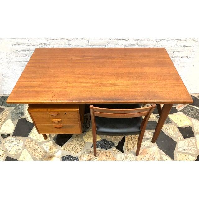 """Danish Modern Mid-Century Danish Modern Sibast """"Floating"""" Teak Desk & Chair For Sale - Image 3 of 13"""