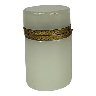 Early 20th Century White Opaline Cylindrical Box For Sale