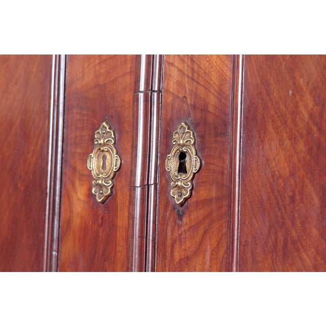 18th Century Continental Mahogany Corner Cabinet For Sale - Image 9 of 10
