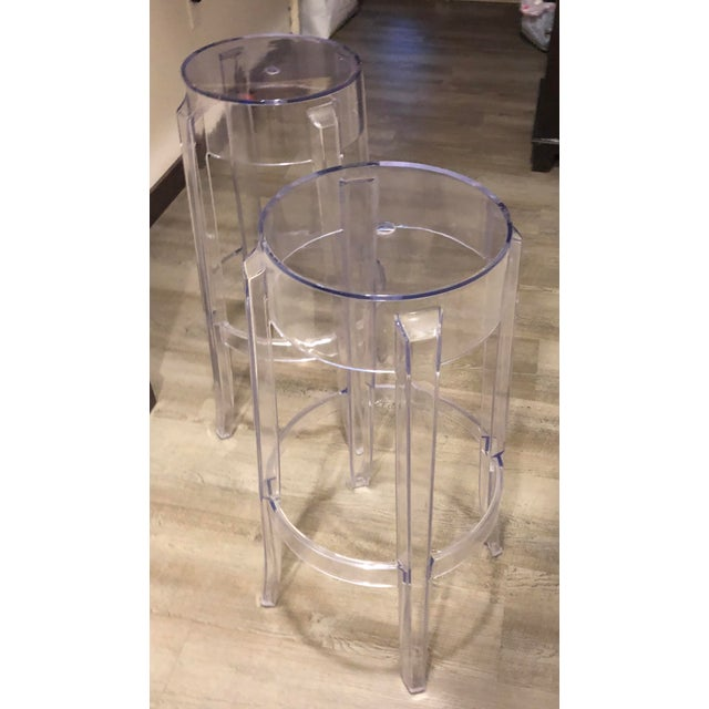 "Klipper ""Ghost"" Clear Acrylic Modern Bar Stools - A Pair - Image 5 of 6"