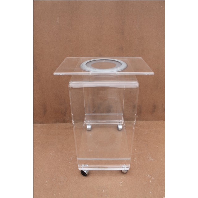 Mid-Century Lucite Swivel Top Bar Cart For Sale - Image 9 of 10