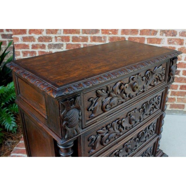 Antique French Oak Mid-19th Century Renaissance Revival Barley Twist 3-Drawer Chest Entry Commode Cabinet For Sale - Image 10 of 13